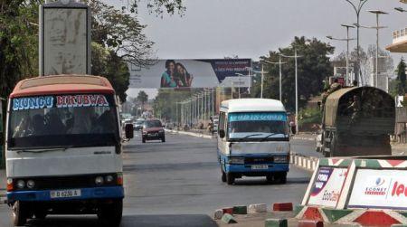 patrouille-de-police-dans-les-rues-de-bujumbura-le-2-aout-2015_5396667