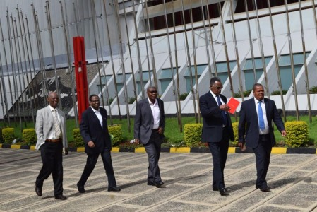 arusha_arrivee-politiciens-burundais-dnt-nyangoma