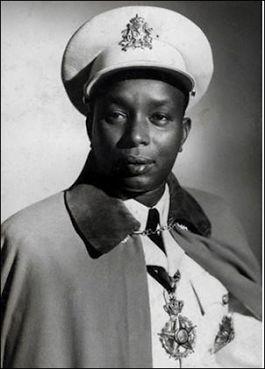 S.M. Roi MWAMBUTSA IV Bangiricenge, Roi du Burundi